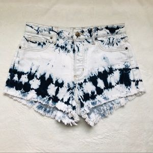 Guess High Waisted Acid Wash Jean Shorts Sz 29
